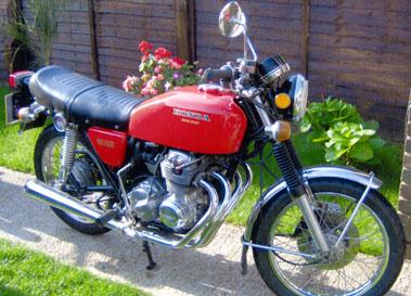 Lot 69-1975 Honda CB400F