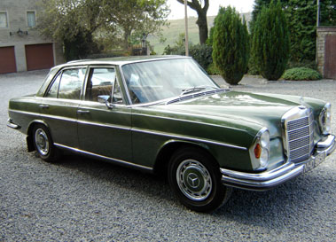 Lot 67-1972 Mercedes-Benz 280 SE 3.5 Saloon