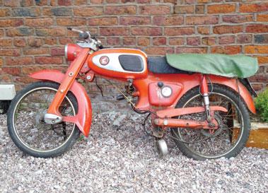 Lot 5-1965 Honda S65