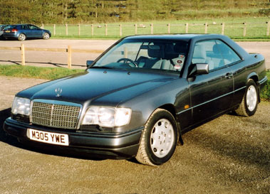 Lot 18-1995 Mercedes-Benz E 320 Coupe