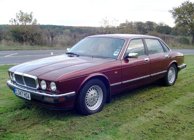 Lot 25-1994 Jaguar XJ6 3.2