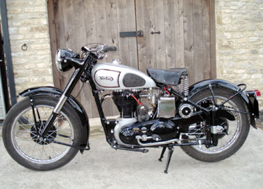 Lot 14-1950 Norton ES2