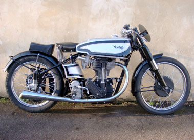Lot 29-1948 Norton Manx 30M