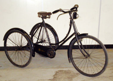 Lot 1-Sunbeam Ladies Tricycle