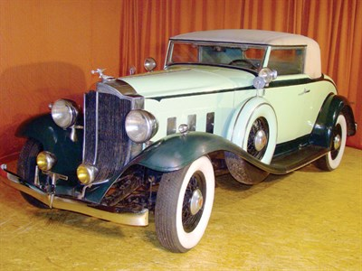 Lot 57 - 1932 Packard 900 Light Eight Coupe