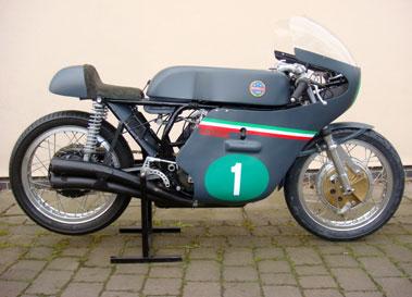 Lot 10-1967/8 Benelli Racing Replica