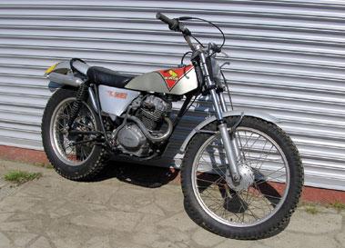 Lot 17-1975 Honda TL125