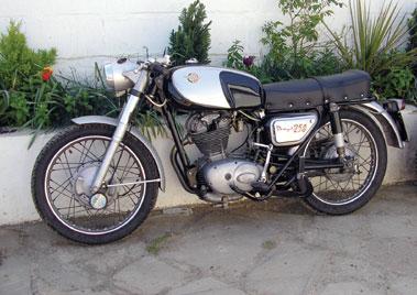 Lot 19-1962 Ducati Daytona