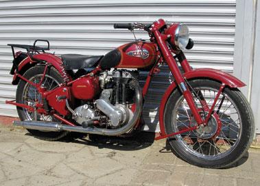 Lot 23-1953 Ariel Red Hunter NH