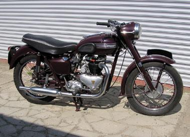 Lot 42-Triumph 5T Speed Twin