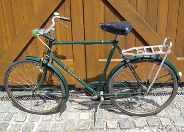 Lot 1-Raleigh Roadster