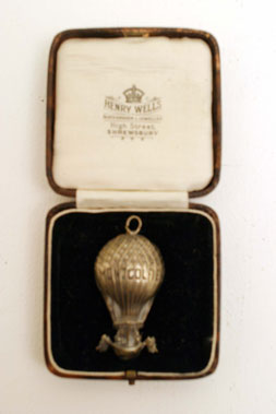 Lot 213-'Montgolfier' Commemorative Watch Fob