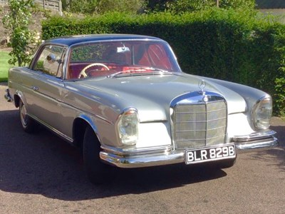 Lot 46-1964 Mercedes-Benz 220 SEB Coupe