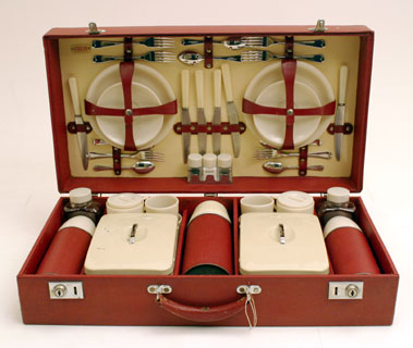 Lot 326-Sirram Six Person Picnic Set
