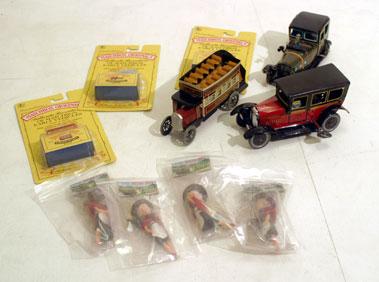 Lot 224-Assorted Automobilia