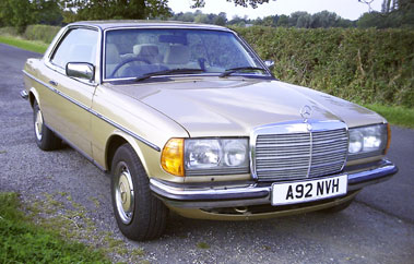 Lot 84-1984 Mercedes-Benz 280 CE