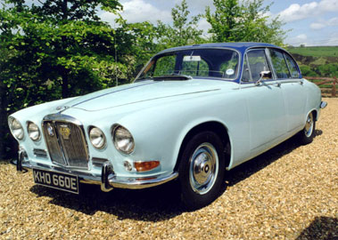 Lot 1-1967 Jaguar 420