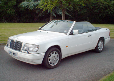 Lot 33-1994 Mercedes-Benz E 320 Cabriolet