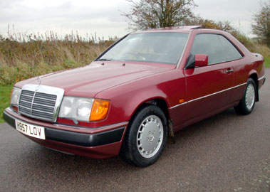 Lot 48-1990 Mercedes-Benz 300 CE