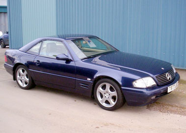Lot 87-1999 Mercedes-Benz SL 280