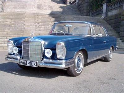 Lot 30-1964 Mercedes-Benz 220 SEB Coupe