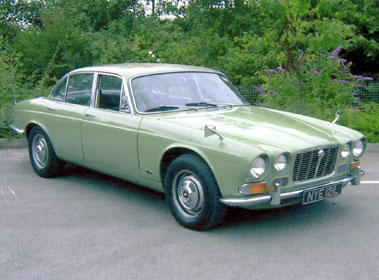 Lot 64-1972 Jaguar XJ6 2.8