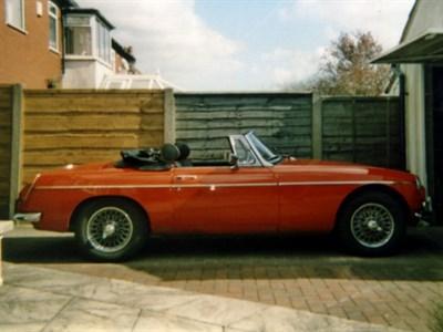 Lot 41-1972 MG B Roadster