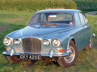 Lot 40-1967 Jaguar 420