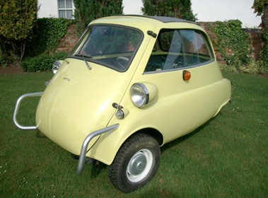 Lot 73-1961 BMW Isetta 300