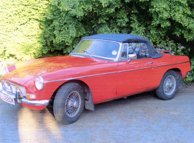 Lot 47-1971 MG B Roadster