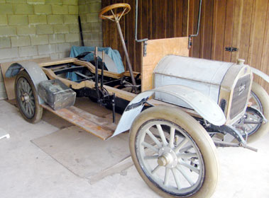 Lot 84-Unknown Unic 12/16hp Rolling Chassis