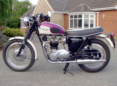 Lot 8-1967 Triumph T120R Bonneville