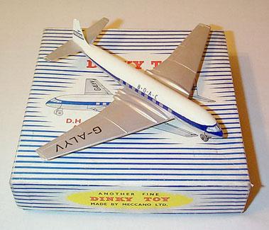 "Lot 205 - Dinky Toys #702 BOAC de Haviland Comet 1 Jet Airliner ""G-ALYV"""