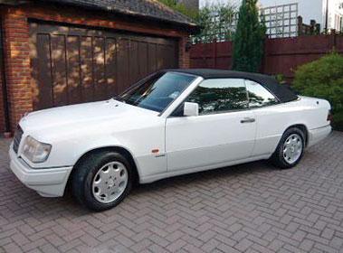 Lot 55-1994 Mercedes-Benz E 220 Cabriolet