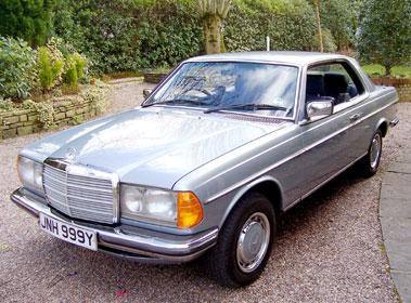 Lot 73-1982 Mercedes-Benz 280 CE