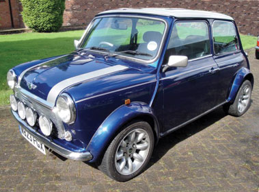 Lot 30-2000 Rover Mini Cooper Sport