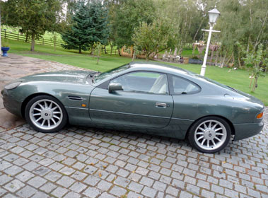Lot 75-1995 Aston Martin DB7