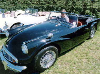 Lot 45-1964 Daimler SP250 Dart