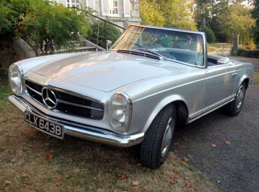 Lot 15-1964 Mercedes-Benz 230 SL