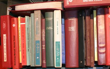 Lot 137-Quantity of Assorted Workshop Manuals