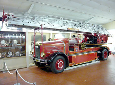 Lot 10-c.1942 Dennis Merryweather Turntable Fire Appliance