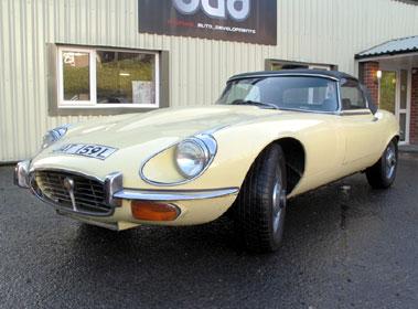 Lot 67-1972 Jaguar E-Type V12 Roadster
