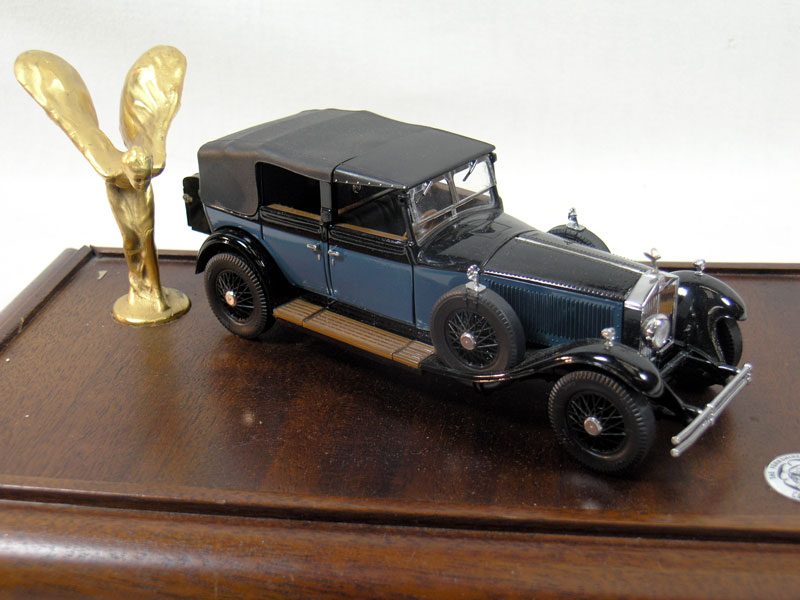 Lot 210 - Rolls-Royce Model/Mascot Display