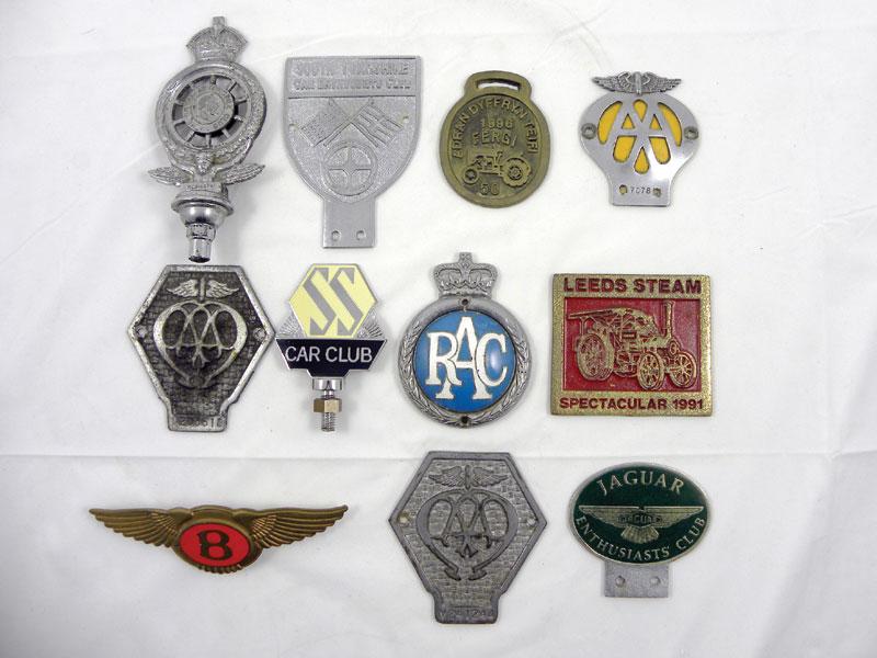Lot 309 - Quantity of Car Badges