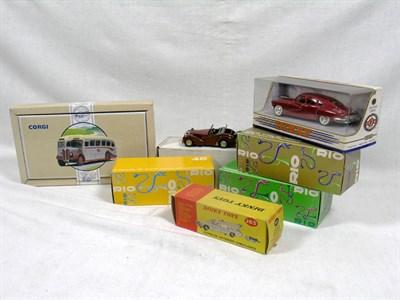 Lot 211-Quantity of Boxed Models