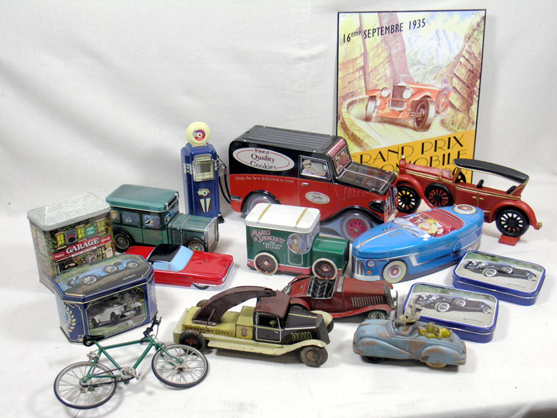Lot 214-Assorted Automobilia