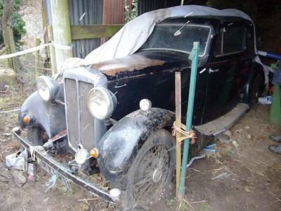 Lot 43-1935 Daimler 15 Fixed Head Coupe