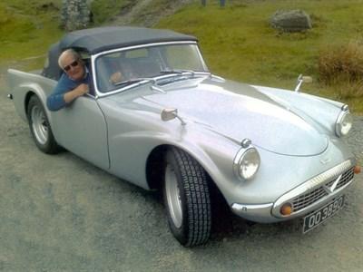 Lot 1-1961 Daimler SP250 Dart