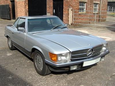 Lot 6-1981 Mercedes-Benz 500 SL