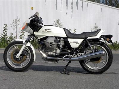 Lot 10 - 1982 Moto Guzzi 850 Le Mans III